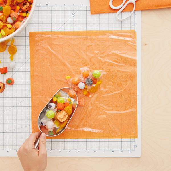 Halloween-pumpkin-treat-bag-Halloween-pop-up-cards-Halloween-cards-Thanksgiving-pop-up-cards-fall-pop-up-cards-autumn-pop-up-cards-vietnam-wholesale-manufacturer-supplies-vendor-fall-gifts.jpg